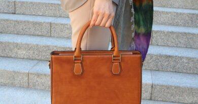 Избор на чанта от естествена кожа
